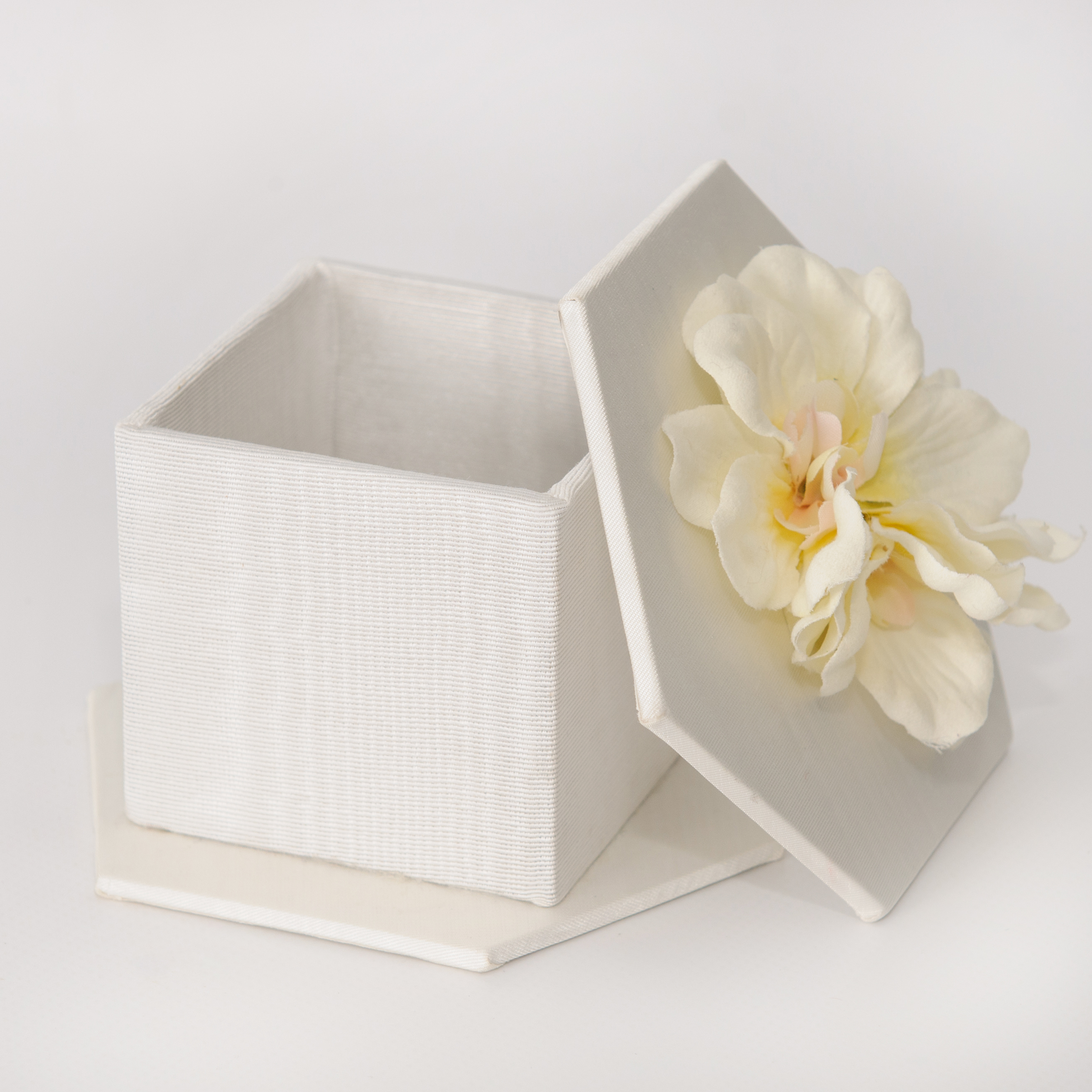wedding favor box open
